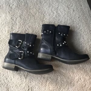 MIA Black boots combat style with zippers Sz 9